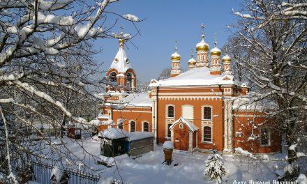 Храм в снегу