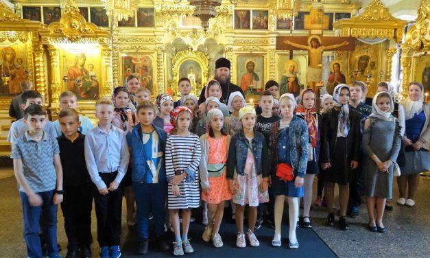 Учебный год закончили экскурсией по храму