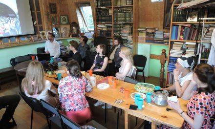 Встреча с участниками крестного хода