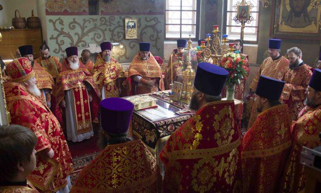 Литургия в казачьем храме иконы Божией Матери «Отрада и Утешение»