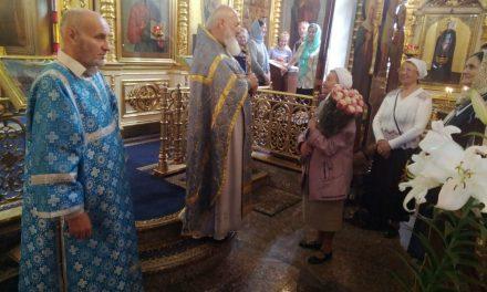 Божественная литургия в день Ризоположения Пресвятой Богородицы